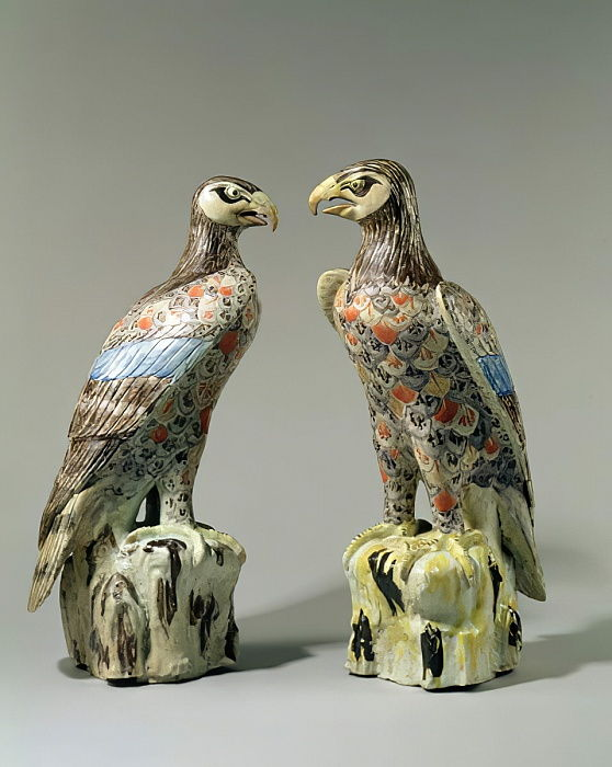 Un par de Arita Eagles, 1695 (porcelana) de Japanese School